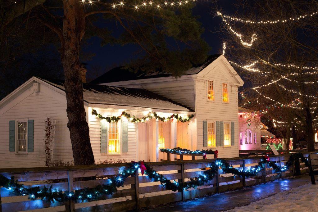instalații luminoase de Crăciun